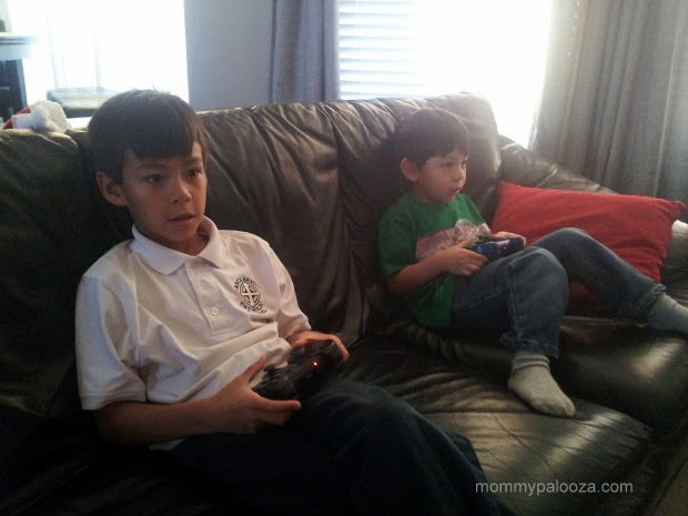 Epic Mickey 2: game-playing fun for siblings!