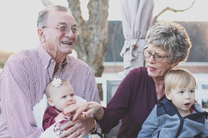 Family-older-adults-babysitting